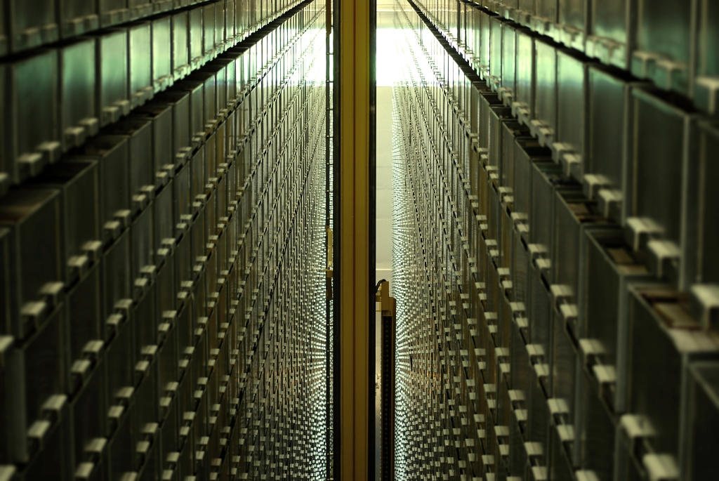An Automated Storage and Retrieval System (ASRS). Image: UBC Library